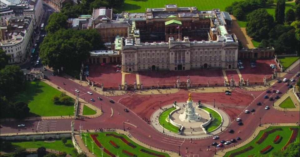 Documentary Historie britské monarchie pohledem z letadla