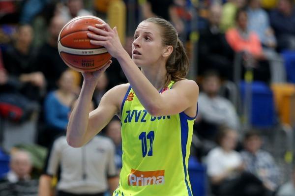 Basketbal: ZVVZ USK Praha - KSC Szekszárd